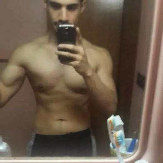 Here's a picture of me on a lean bulk