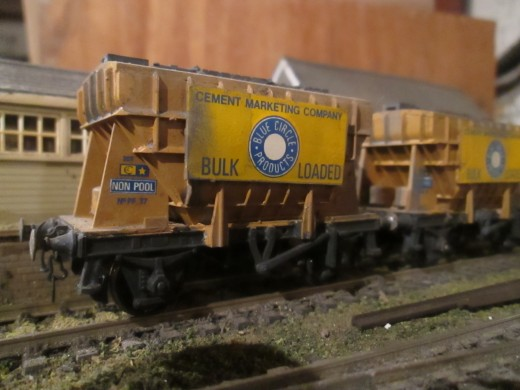 From the Airfix kit range (now owned by Dapol), an early British Railways era cement hopper with lost wax brass cast buffers (for added durability