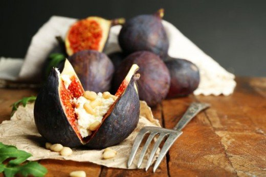 Figs stuffed with Cottage Cheese