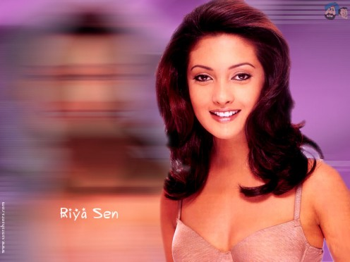 SEXY RIYA SEN IMAGES