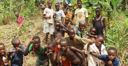 Kids on road from Masingbi to Sumbaria