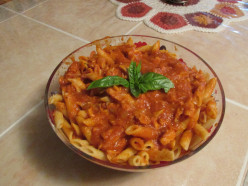 Penne Pasta with Tuna & Tomato Sauce