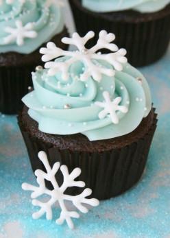 Adorable Christmas Cupcakes