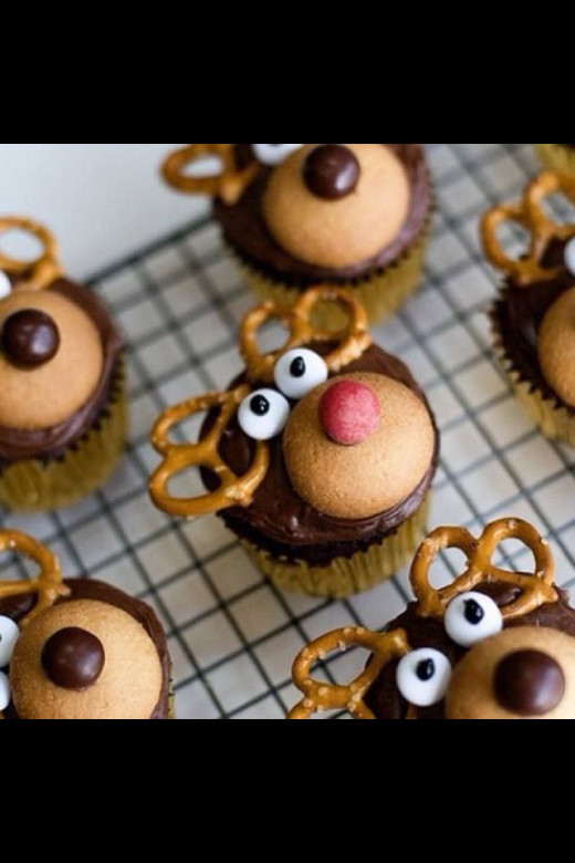 9 Adorable Christmas Cupcake Decorating Ideas