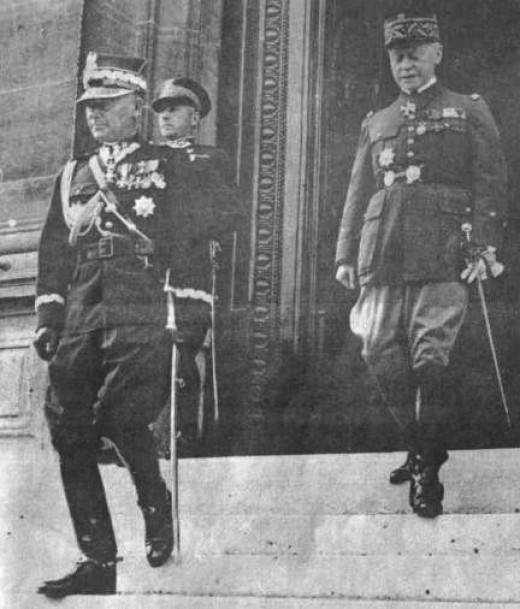 Marshals Edward Rydz – Śmigły and Maurice Gamelin after a meeting in 1936.