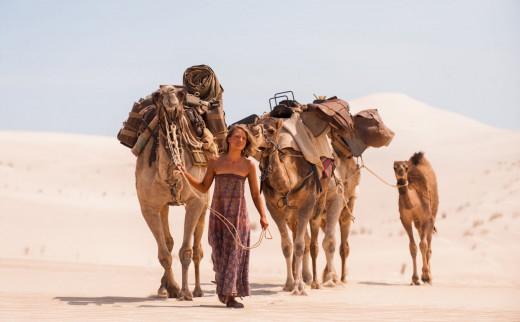 Mia Wasikowska starred as Robyn Davidson in The Weinstein Company's Tracks (2013)