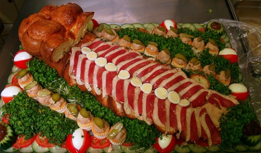 Party Food (Photo courtesy by Le Gros Franck from Flickr)