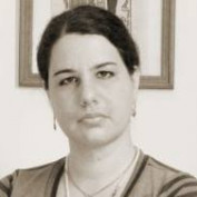 Mariana Fuzaro profile image