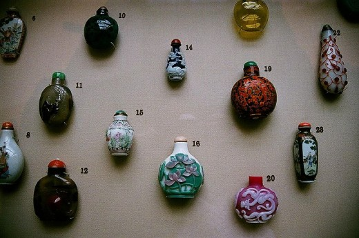 Chinese snuff bottles of various kinds