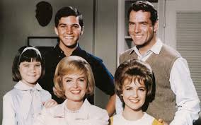 Upgraded cast--from left, Tricia Petersen, Jeff Petersen, Carl Betz, Donna Reed and Shelly Fabares
