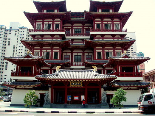 Buddha Tooth Relic Temple and Museum near China Town