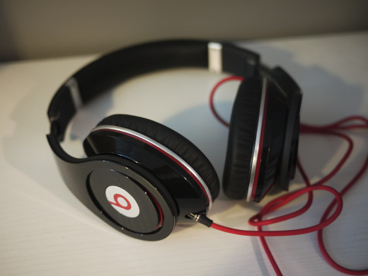 My personal rating for Dr. Dre Studio Headphones: 8.6/10