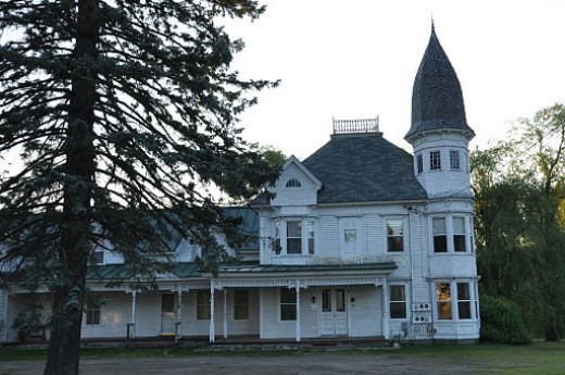 The Widow's Walk is an Inn run in a distinctive Victorian house in Stratton that is on the National Register of Historic Places.
