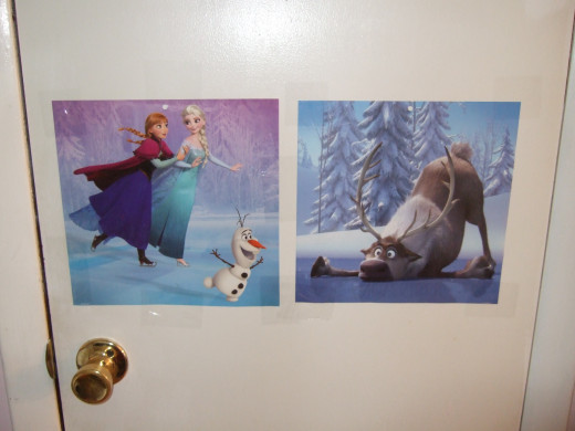 Elsa, Anna & Olaf Ice Skating, while Sven tries too. Those 2 pictures from the calendar worked well next to each other