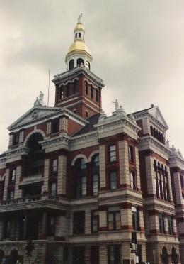 The Romanesque-Renaissance Revival Dubuque County Courthouse, Iowa, c. 1891.
