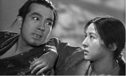 Zushiō (Yoshiaki Hanayagi) gets some sisterly advice from Anju (Kyōko Kagawa) in Mizoguchi's Sanshō the Bailiff (1954)