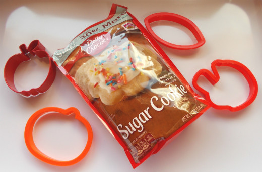 Sugar cookies are easy to make with these pouches.