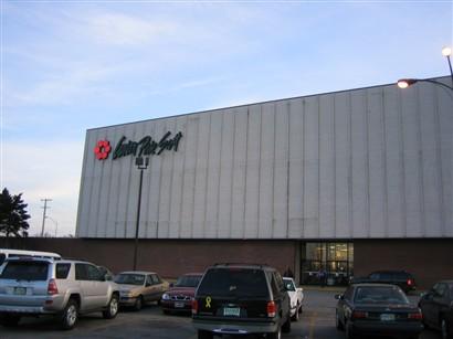 Carson's at Woodmar Mall