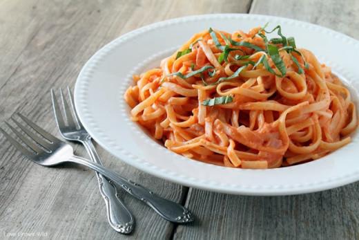 Linguine in Creamy Tomato Sauce