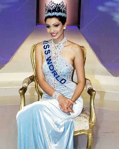 Yukta Mookhey at Miss World 1999