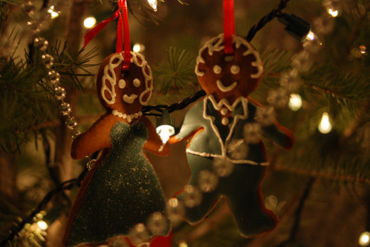 Reduce your waste by making edible Christmas ornaments!