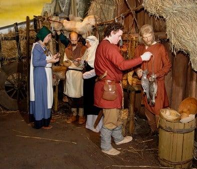 Jorvik fish merchant and customers