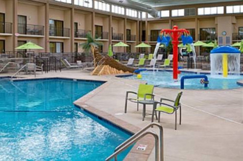 The Mall of America has a Best Western Plus on location with a swimming pool and mini water park. The service was as good as I have ever had at this place.