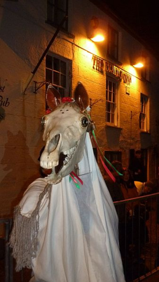 Mari Lwyd horse head on a pole