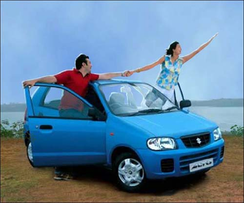 Maruti Alto - Another economical Indian car after Maruti 800. Alto gives good average and AC is better than 800