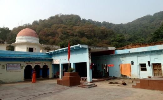 Bharat Milap Charan Paduka temple 2