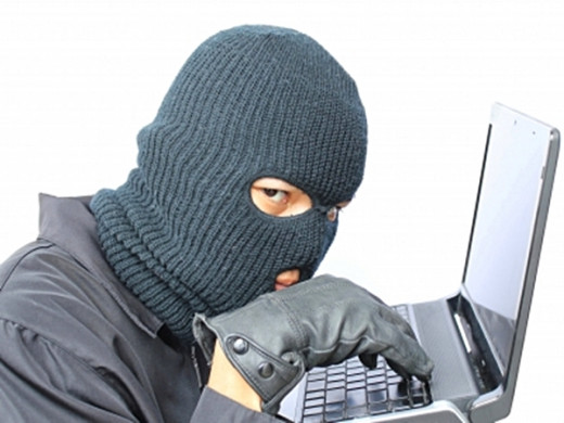 Robbers are looking for victims on Facebook.