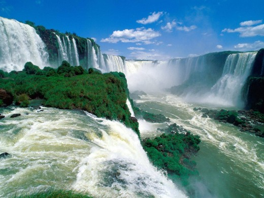 Approximately 275 waterfalls explode on the border that separates Argentina and Brazil.