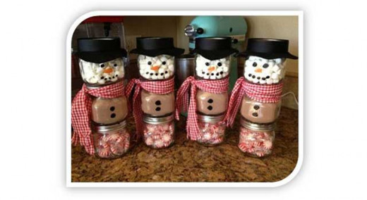 Hot Chocolate Snowmen. Who could ask for a better gift..