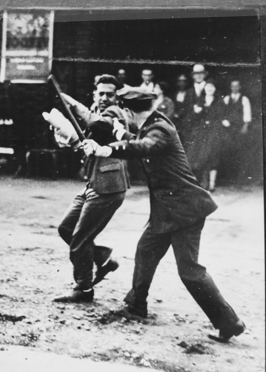 1930s confrontation during a San Francisco strike.