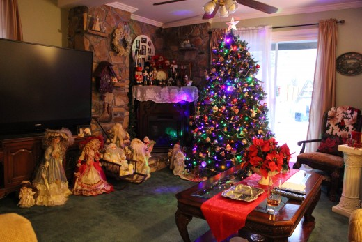 Christmas Decorated Living Room 2014
