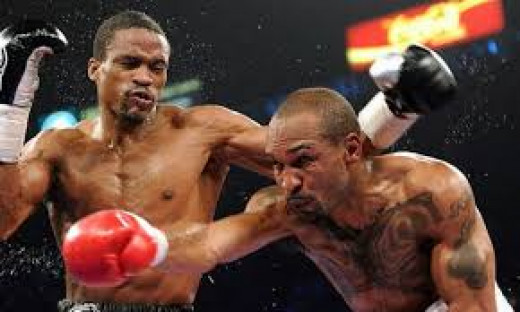 Randall Bailey,right,was behind on the cards when he scored a brutal, highlight reel knockout of the then undefeated Mike Jones.