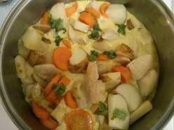 Easy Chicken Curry with Potatoes and Carrots