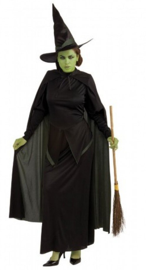 This costume is perfect for you if you want to look like a traditional witch for Halloween.