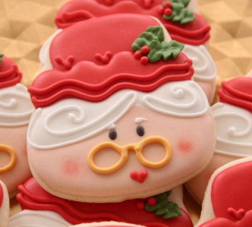 Mrs. Claus Cookies Found on sweetsugarbelle.com