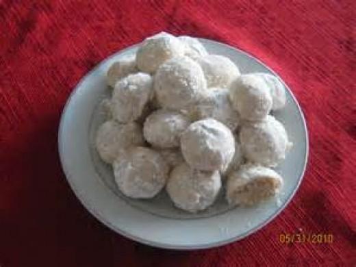 Russian Tea Balls or Butter Balls with Pecans