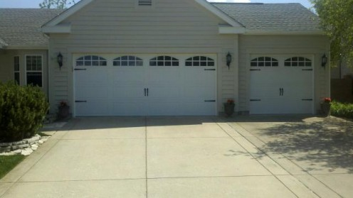 Clopay long panel garage door with glass