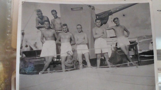 Gun crew, Royal Fleet Auxiliary Brown Ranger, Pacific, 1945