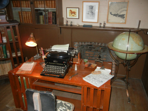 How I picture a typing room.