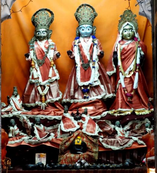 Idols of Lord Rama with Lakshman & Sita