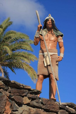 A Guanche model welcomes the visitor to the theme park of Mundo Aborigen