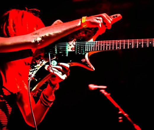 A star with guitar...ist. Guild X-79 and Rachel Rekkit