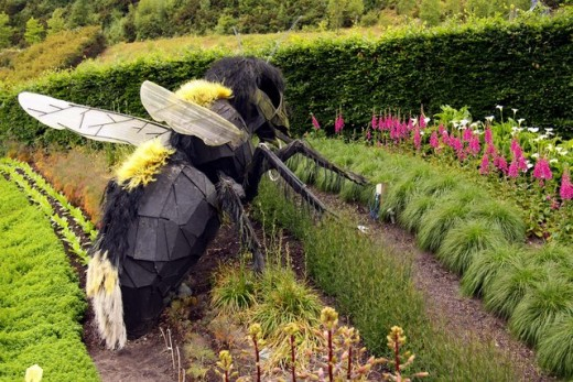 Large Bumble Bee sculpture at the Eden Project.