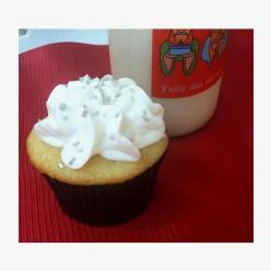 Island Bites: Tropical Coconut Cupcakes