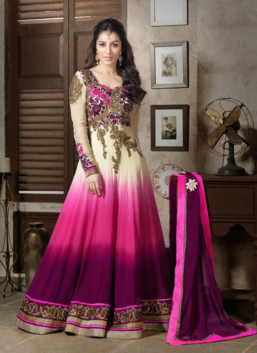 Shraddha Kapoor's Anarkali churidar selling at Ebay.in