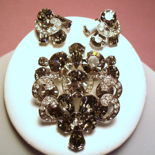 beautiful pin and earring jewelry set by Weiss - best known for the black diamond series